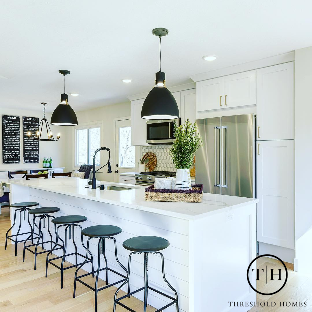 Light Fixtures Kitchen & Dining Room - Amber Miller Threshold Homes